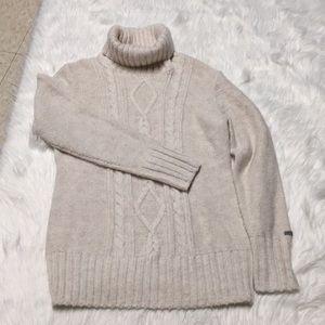 Columbia Turtleneck sweater size large